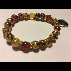 Jewelry - 👑🌹Beautiful GOLD,BROWN, AND RED Beaded Bracelet